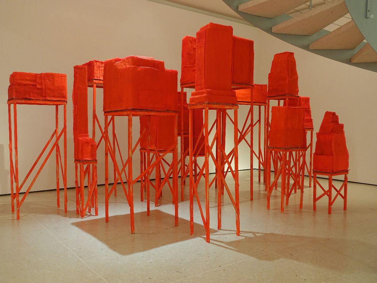 Container, Mehrteilige Installation, 2011, Holz, Karton, Plastik, Heissleim, Farbe, Grösse variabel -  Kunsthaus Zug