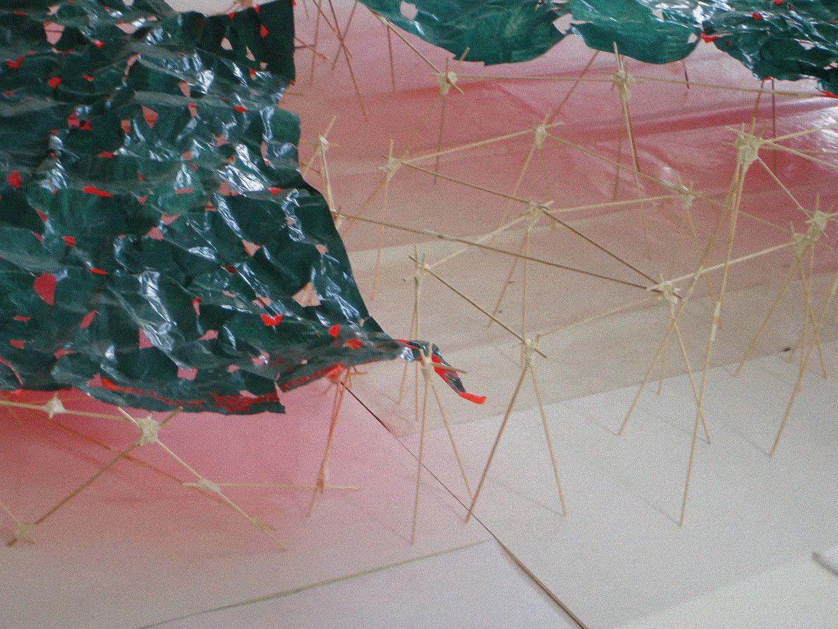 Bodenarbeit, 2010, Papier, Farbe, Holz, Klebband, Detail